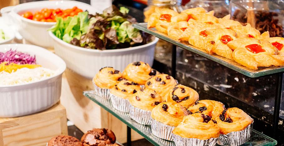 För- och nackdelar med att ha buffé som catering